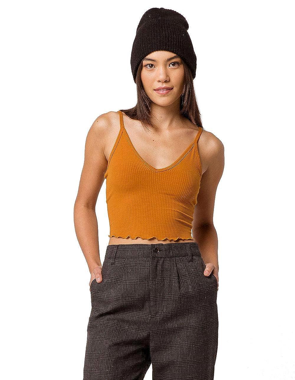 36b4e3ee28 Bozzolo V-Neck Lettuce Edge White Crop Tank Top at Amazon Women s Clothing  store