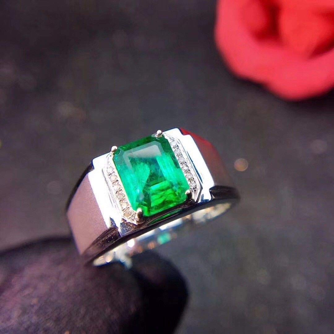 FidgetGear Gorgeous Natural Men Colombian Emerald and Zircon Ring Sterling Silver S925
