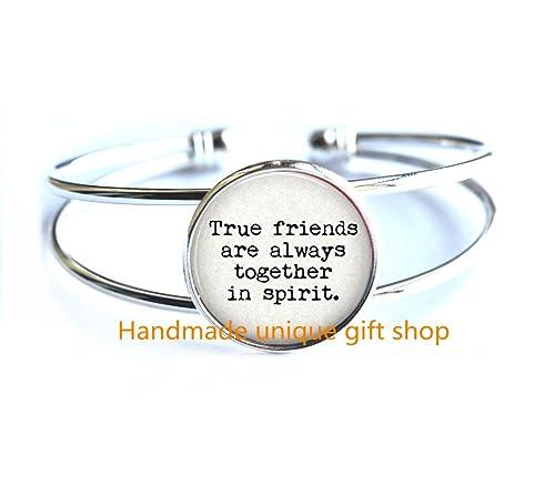 """Amazon.com: Simple pulsera, Quote """"espíritu verdaderos ..."""
