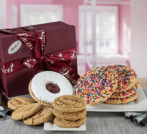 Cookie Lovers Gift Baskets by Dulcet Includes: Sprinkle Cookies, Linzer Tart, Peanut Butter Cookies, Chocolate Chip cookies, best cookie basket. ()