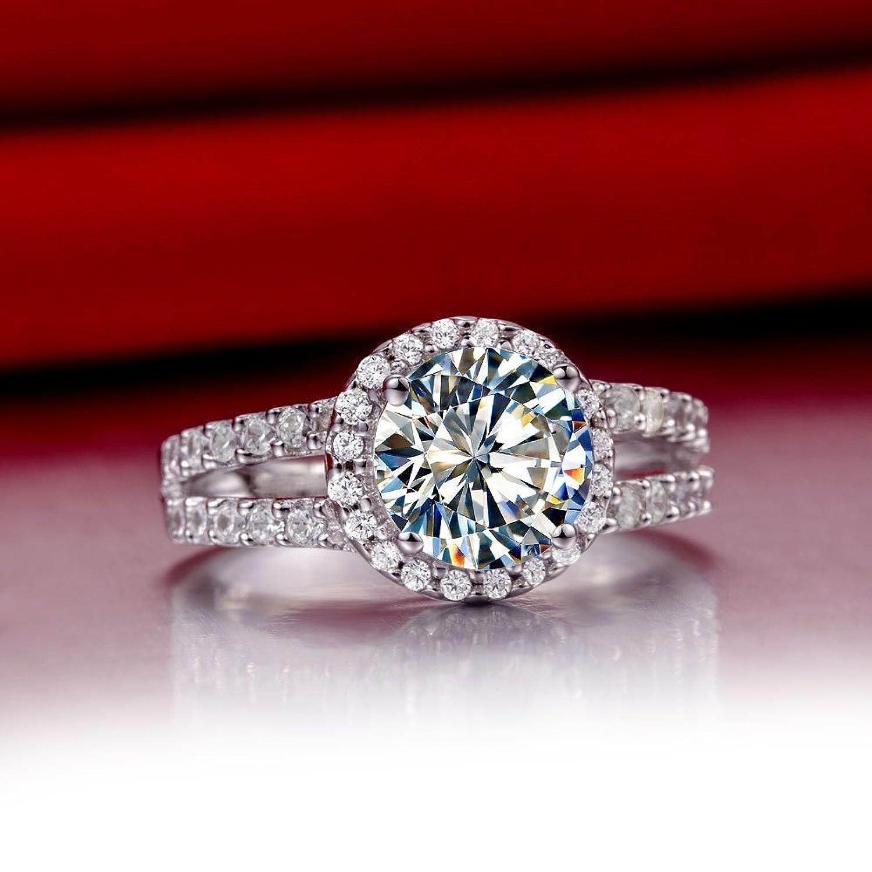 2 00 Carat VVS1 NSCD Diamond Engagement ring in 18k gold over