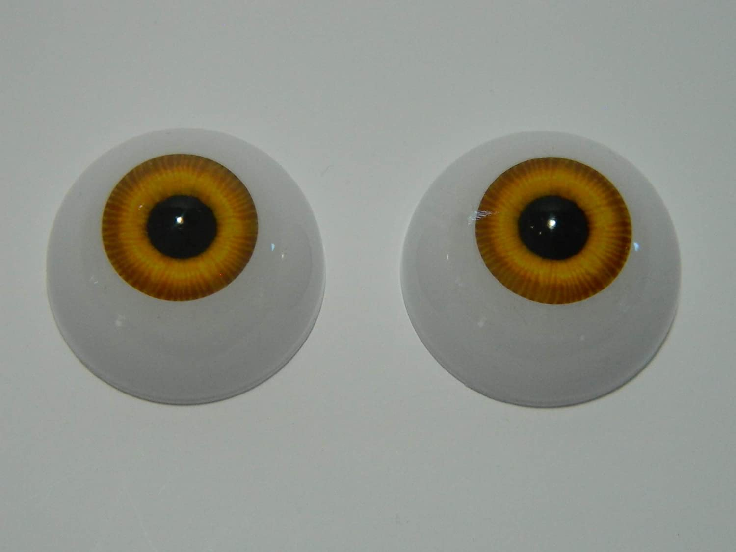 ONE PAIR GREEN ACRYLIC ROUND  DOLL EYES VARIOUS SIZES