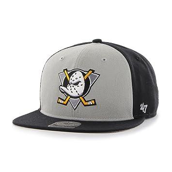 acfcad3706075 47 Brand NHL Anaheim Ducks Sure Shot Cap - Black  Amazon.co.uk  Sports    Outdoors