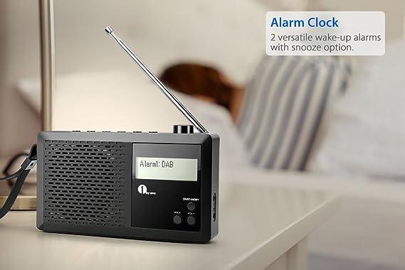 1 BY ONE - Radio Digital portátil, Dab y FM Radio con Pantalla LCD, Favorit Memoria y Auriculares Conector, Despertador, Negro