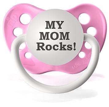 Amazon.com: Personalizado chupetes My Mom Rocks chupete: Baby