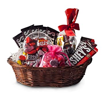 Amazon.com : All Occasion HERSHEY'S Chocolate Candy Gift Basket ...