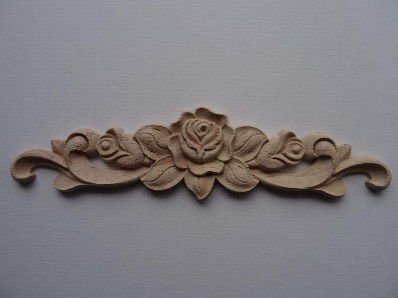 Decorative wooden rose and scroll center applique onlay furniture