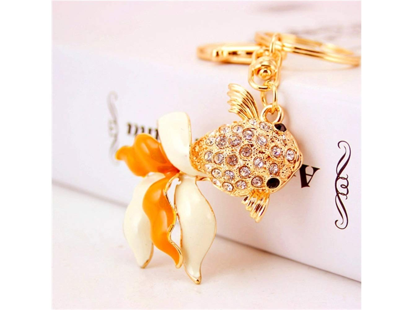 Car Keychain, Exquisite Cartoon Goldfish Keychain Animal Key Trinket Car Bag Key Holder Decorations(Golden) for Gift