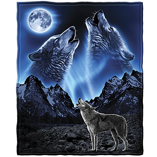 Dawhud Direct Wolves Howling Moon Fleece Throw -