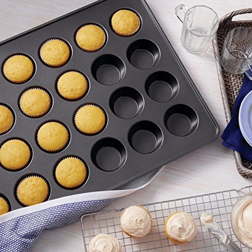Wilton 2105-6966 24-Cup Perfect Results Mega Muffin Pan by Wilton (Image #3)