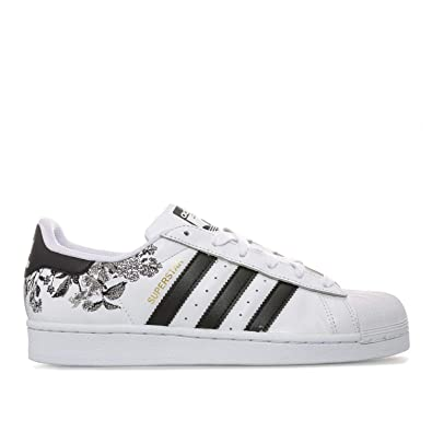 Femmes Adidas Originals Superstar Baskets Noir et blanc