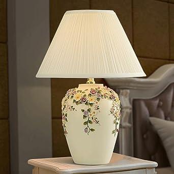 51e42f80a9d0e8 Europäische Art einfache Tischlampe Schlafzimmer Nachttischlampe warme  Wohnzimmer moderne Mode kreative Hochzeit Tischlampe Dekor mit Blumen   Amazon.de  ...