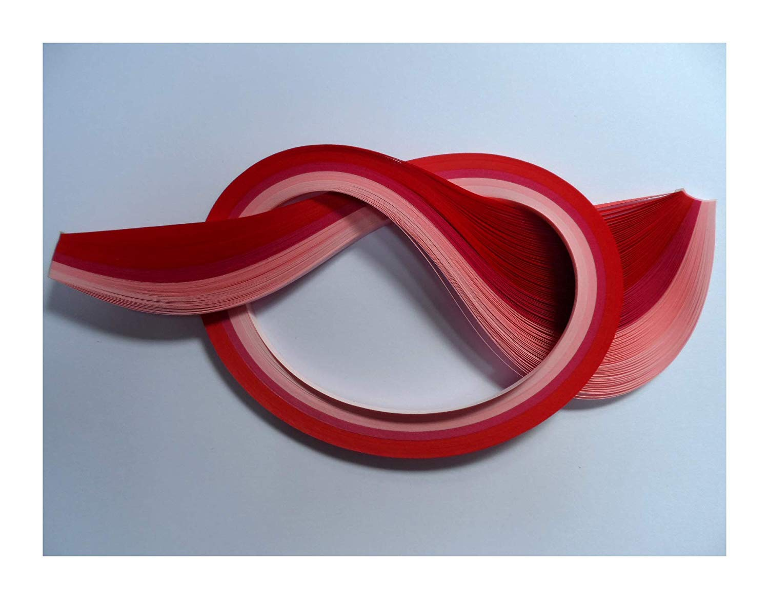 Quilling Papers 2mm, Pack of 100 - Assorted Reds and Pink Past Times Quilling