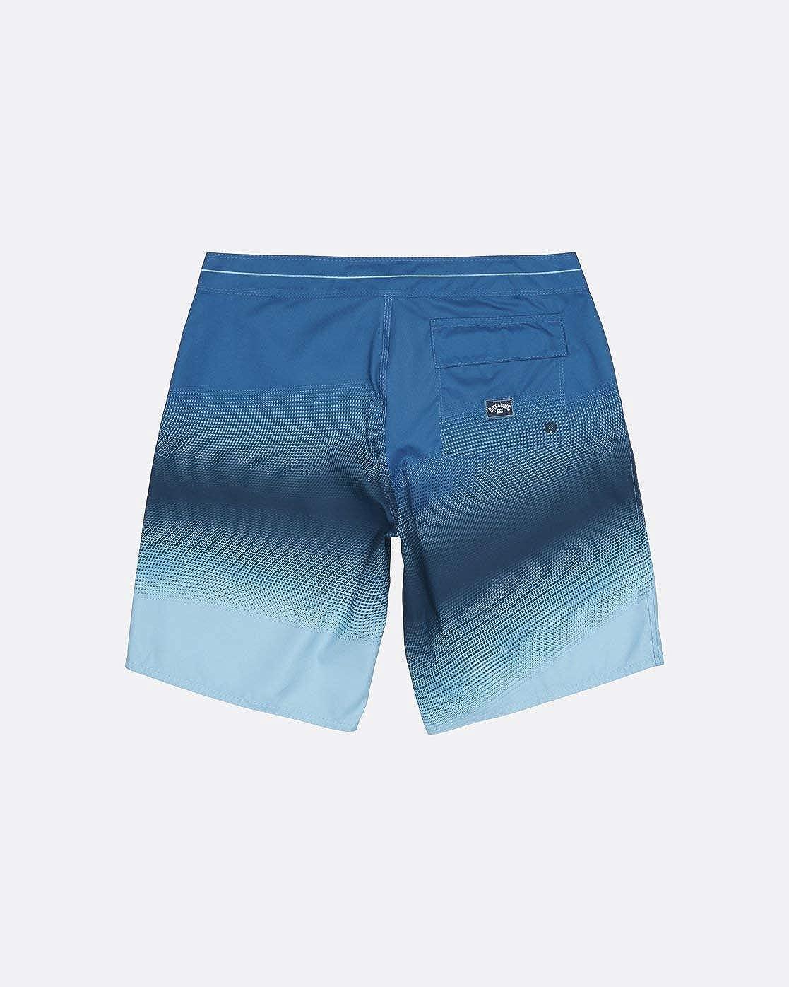 Recreational Shorts Uomo BILLABONG Resistance Og
