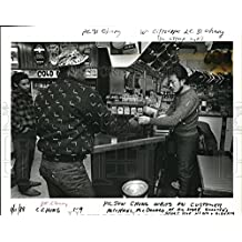 1968 Press Photo Pijun Chung waits on a customer, Michael McDondald - ora10104