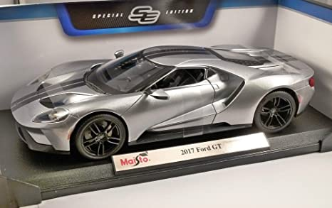 Maisto Ford GT 2017 Silver with Grey stripe 31384 1//18