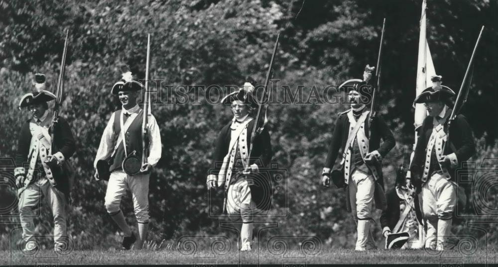 Amazon com: 1985 Press Photo Revolutionary War reenactment