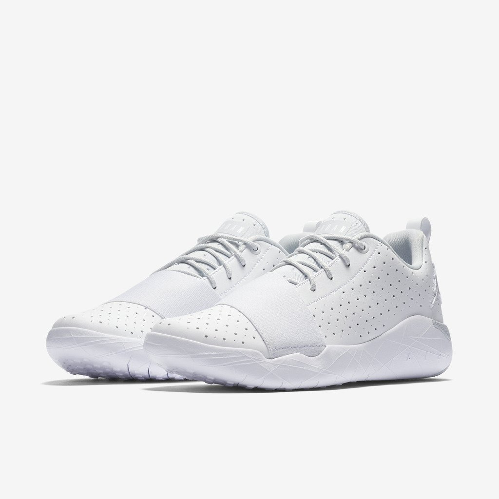 check out e3f44 de7af Amazon.com  Nike JORDAN 23 BREAKOUT mens fashion-sneakers 881449-100 11 -  WHITE PURE PLATINUM  Shoes