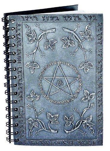 Nemesis Now - Libro delle Ombre, risalente alla tradizione gardneriana della wicca