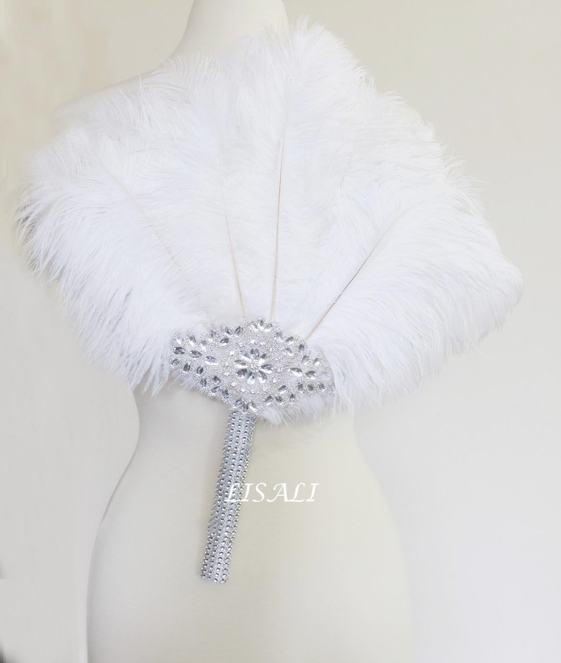LISALI 18'' Large White Feather Bouquet, luxury Bridal Alternative Ostrich Feather Fan, 20s Great Gatsby Vintage Wedding Bouquet