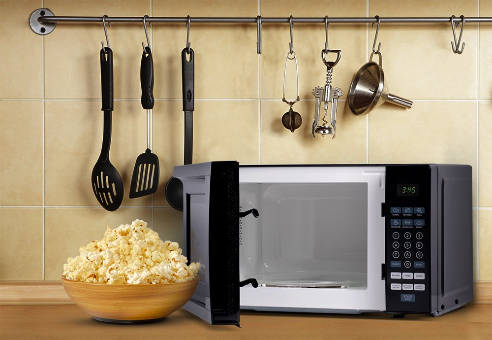 Westinghouse WCM770B 700 Watt Counter Top Microwave Oven, 0.7 Cubic Feet, Black Cabinet by Westinghouse (Image #5)