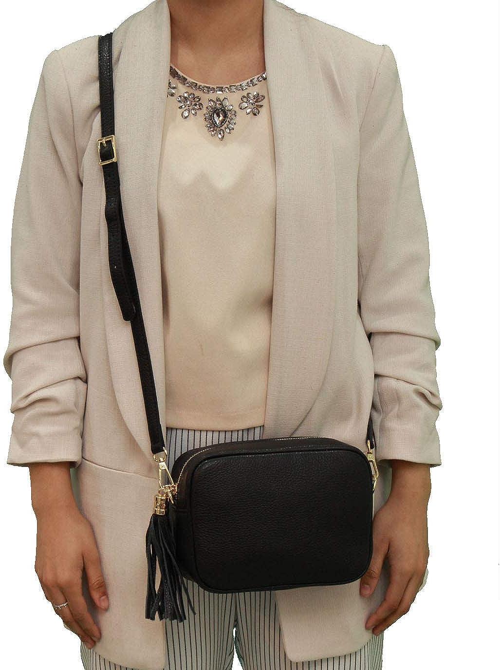 A to Z Leather Sac compact à bandoulière en cuir souple grainé pour femme doté d'un zip pompon à franges Noir