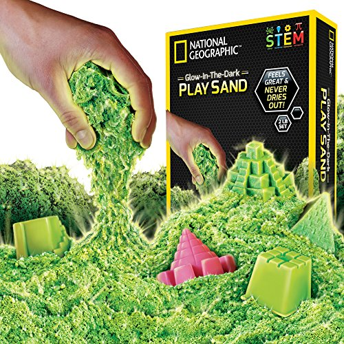 (National Geographic Play Sand - 2 LBS of Sand with Castle Molds and Tray)