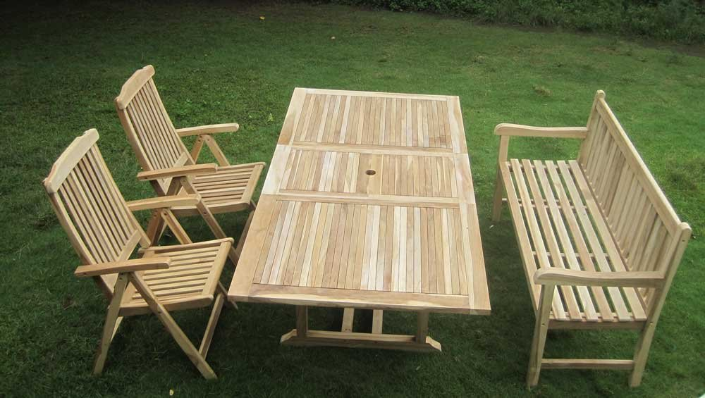 sam gartengruppe 4 teilig gartenm bel aus teak holz 2 x garten hochlehner 1 x garten bank. Black Bedroom Furniture Sets. Home Design Ideas
