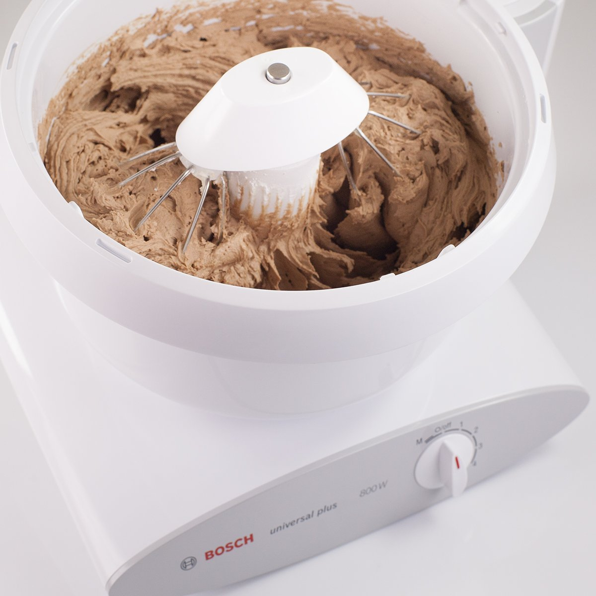 Bosch MUM6N10UC Universal Plus Stand Mixer, 800 watt, 6.5-Quarts with Cookie Dough Paddles