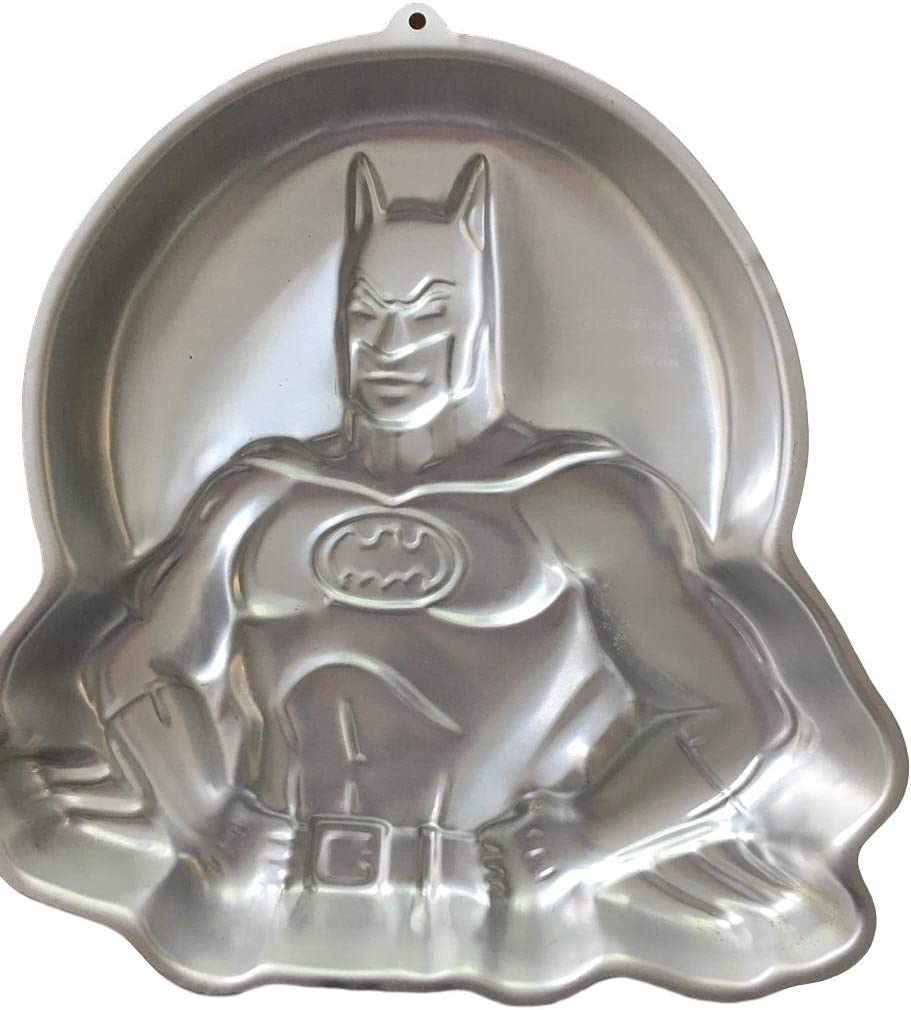 Amazon Com Wilton Batman With Moon Cake Pan 2105 6501 1989 Retired D C Comics Novelty Cake Pans Kitchen Dining