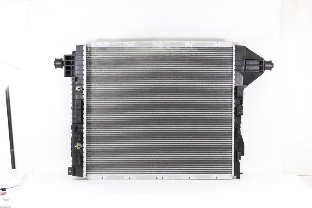 New Radiator 2815 for 03-04 Ford F-250 F-350 F-450 F-550 Super Duty 6.0 V8
