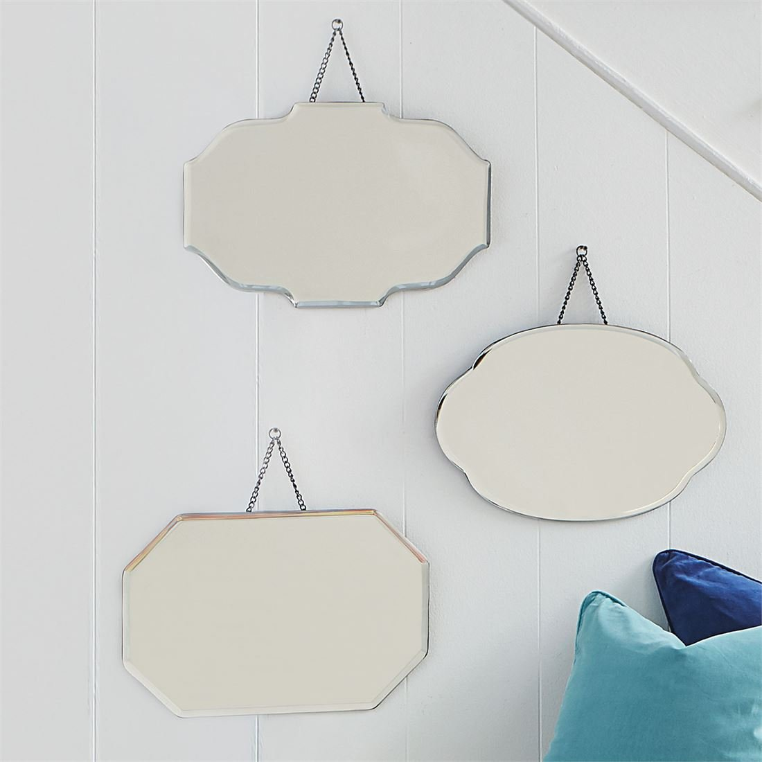 BrylaneHome Geo Hanging Mirror (Hexagon,0)