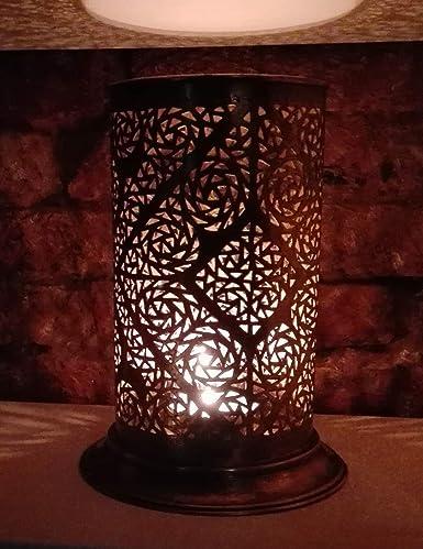 Pie Maroc latón antiguo, diseño oriental. de Marruecos ...