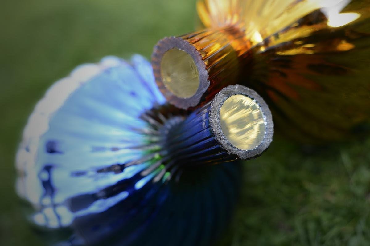 perfekte handgemachte Garten-Dekoration f/ür Ihr Blumenbeetin vielen Farben Rosenkugel aus Glas f/ür den Garten Formen und Gr/ö/ßen Hoche 23cm und Durchschnittlich 18cm Silber mit Farben