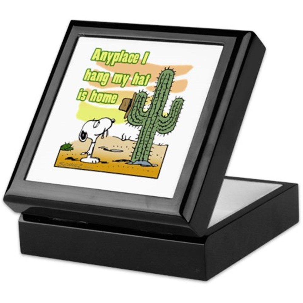 Amazon.com: CafePress – Caja de recuerdo de Snoopy Cactus ...