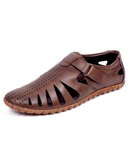 b348e50b4786 Peponi Men Faux Leather Brown Snadal  Buy Online at Low Prices in India -  Amazon.in