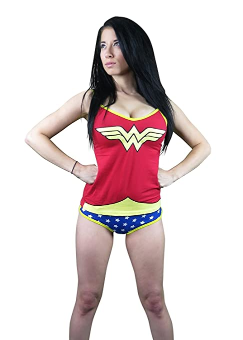 44e1390b72 Amazon.com  Wonder Woman Glow In The Dark Cami Set  Clothing