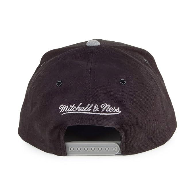 1b31047560a Mitchell   Ness Toronto Raptors Snapback Cap - Terrain - Black-Charcoal  Adjustable  Amazon.co.uk  Clothing