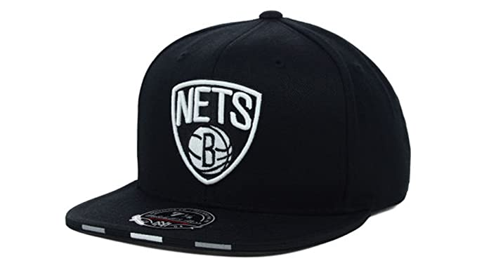 hot sale online 05cfe da8de Brooklyn Nets Men s Mitchell   Ness NBA Basketball Super Stripe Fitted Hat  Cap - Black (