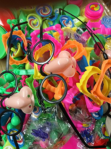 Mega Deluxe Toy Assortment about 250 Pieces Bulk Toy pinata,birthday party small toys ,doctors office prizes,teacher prizes incl yoyo,mask,maze,fake tooth,streachy toys sticky toys,spinning top B.N.D