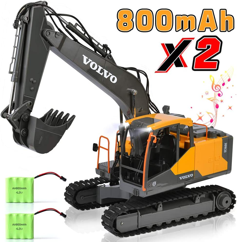 Amazon Com Volvo Rc Excavator Construction Truck 17 Channel 1 16 Scale Rc Truck Digger With 2 Batteries Remote Control Excavator 2 4ghz Tractor Vehicle Toy With Light And Sound For Kids Toys Games