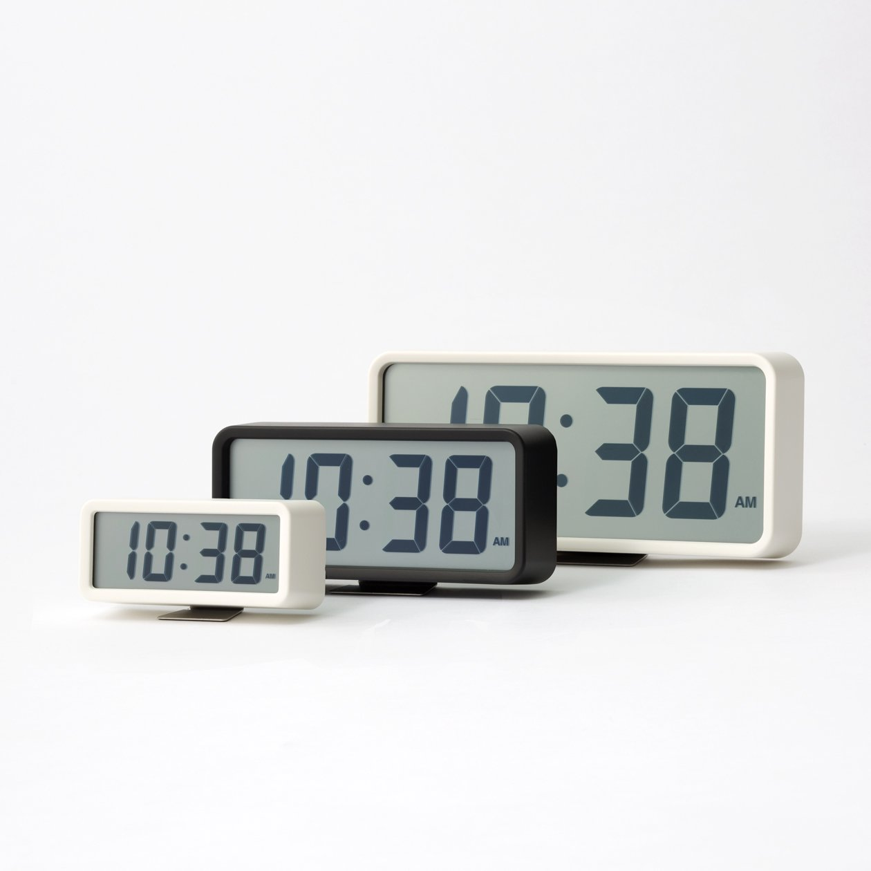 Amazon.com: [Muji] Digital Clock Large Size White 15831975 MJ-DCLW1 from Japan: Sports & Outdoors