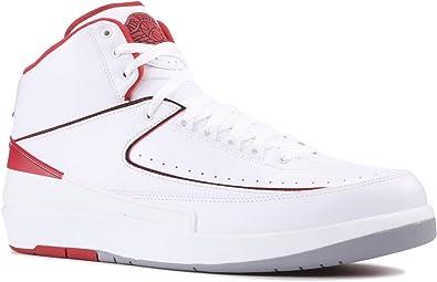 estafa tipo Adaptación  Amazon.com | Jordan Air 2 Retro Men's Shoes White/Black-Varsity Red-Cement  Grey 385475-102 | Basketball