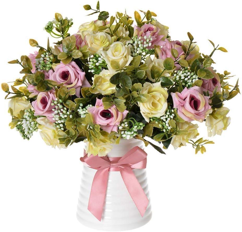 Jarrón de cerámica con arreglos florales de seda