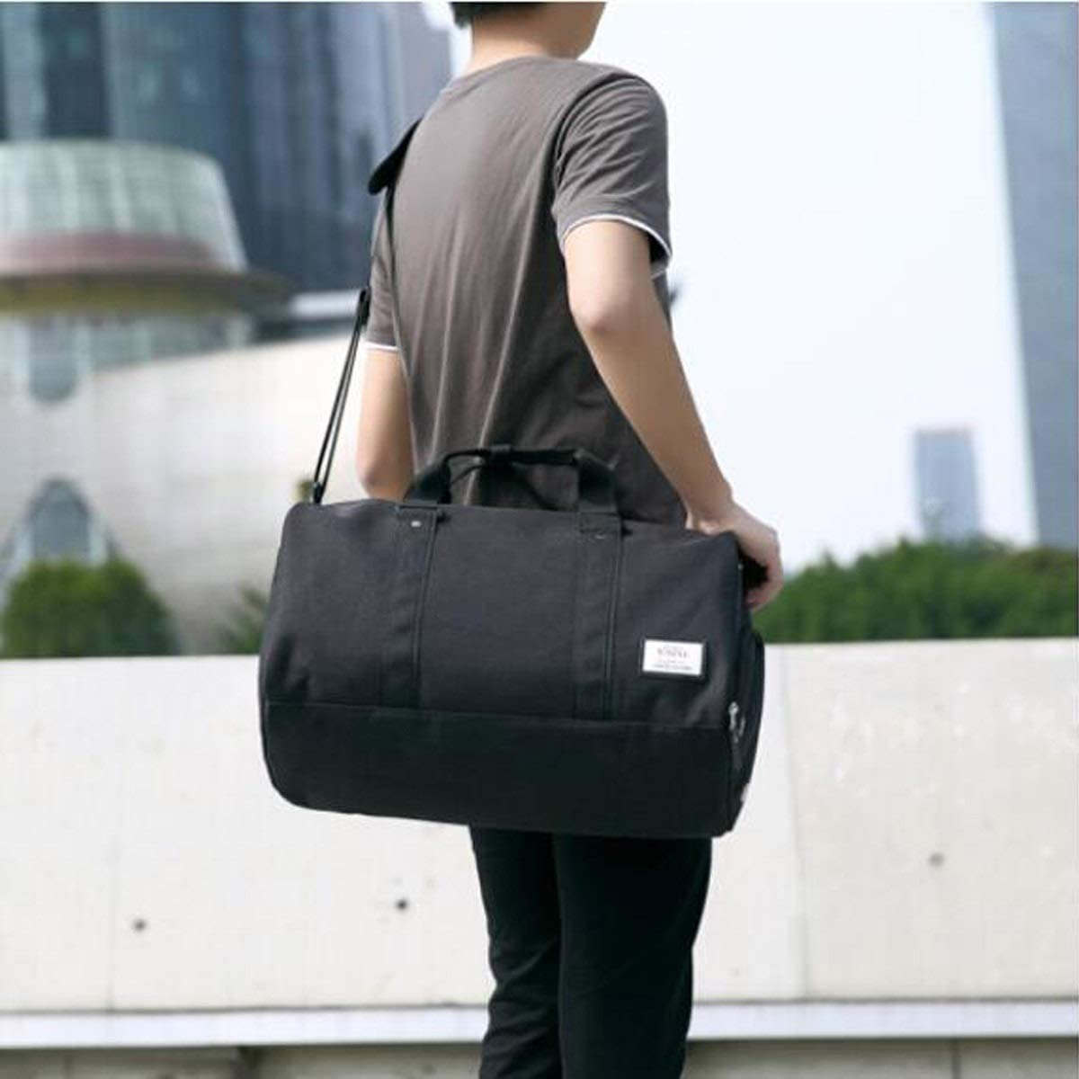 Waterproof Travel Bag Large-Capacity Sports Bag Size: 472427cm Mens and Womens Cylinder Fitness Bag Kaiyitong Sports Bag Color : Light Gray Independent Shoe Warehouse