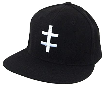 Amazon.com  Marilyn Manson Double Cross Black Fitted Baseball Hat ... 083491e0208