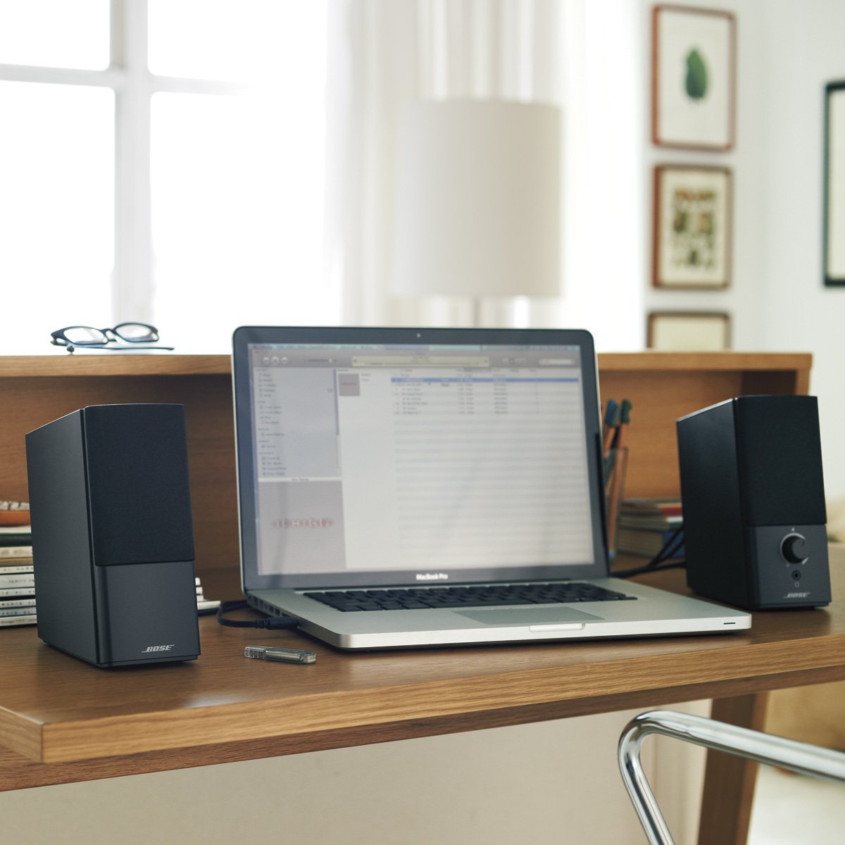 Bose Companion 2 Series III Multimedia Speakers - for PC (with 3.5mm AUX & PC input) by Bose (Image #6)