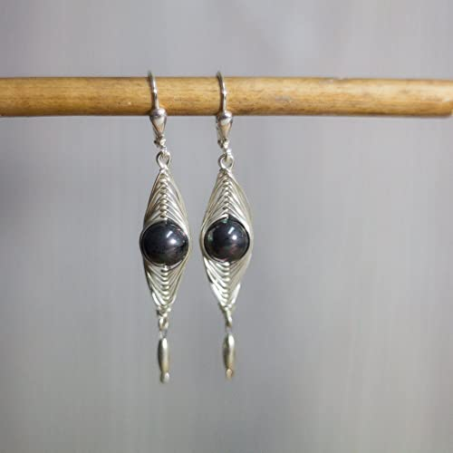 Schwarze lange Perlen-Ohrringe mit Echt-Silber und festen Klapp ...