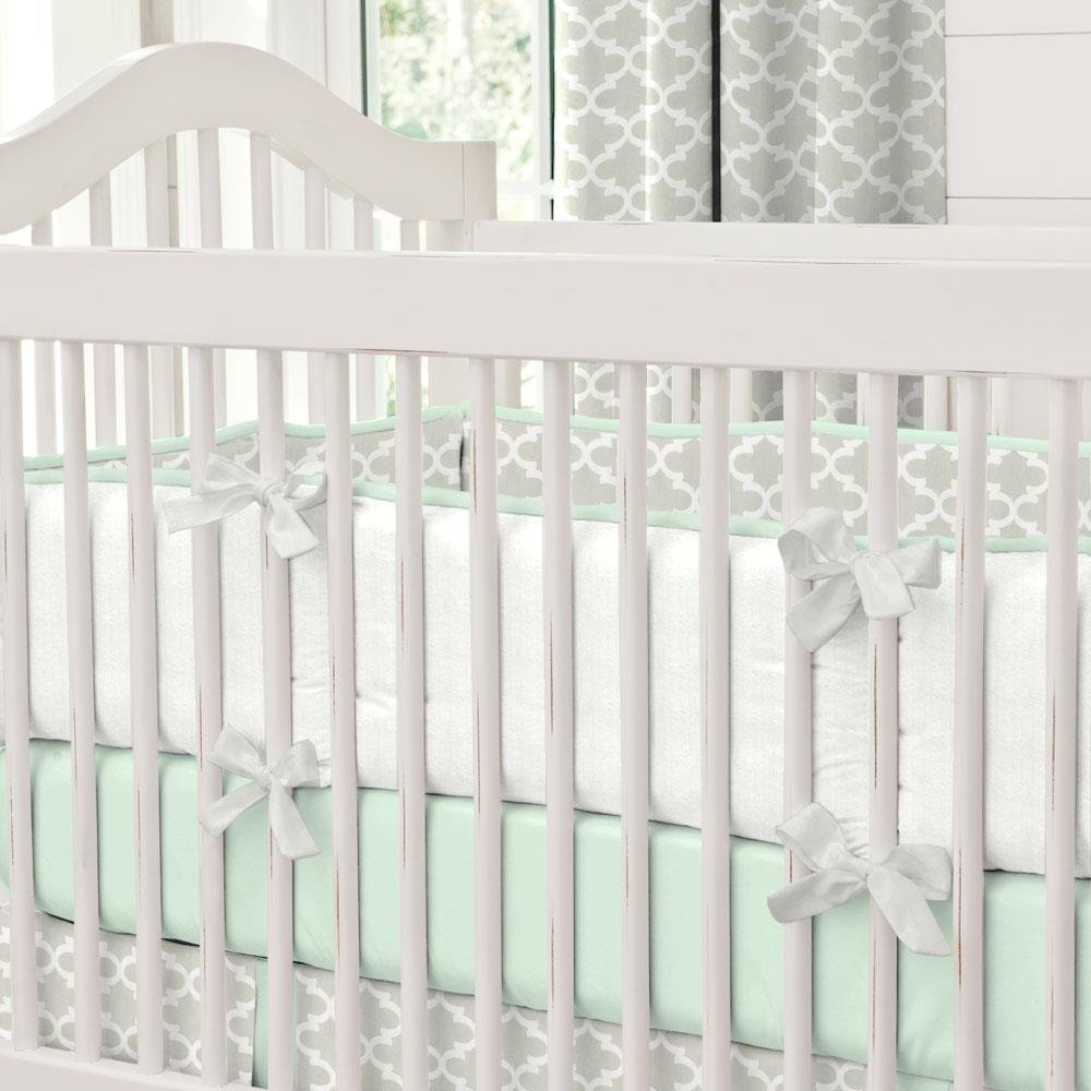 Carousel Designs French Gray and Mint Quatrefoil Crib Bumper by Carousel Designs (Image #1)