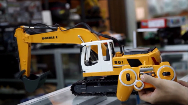 DOUBLE E Remote Control Truck RC Excavator Toy 17 Channel 3 In 1 Claw Drill Meta